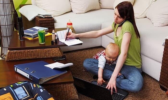 家事と育児で大変なママ